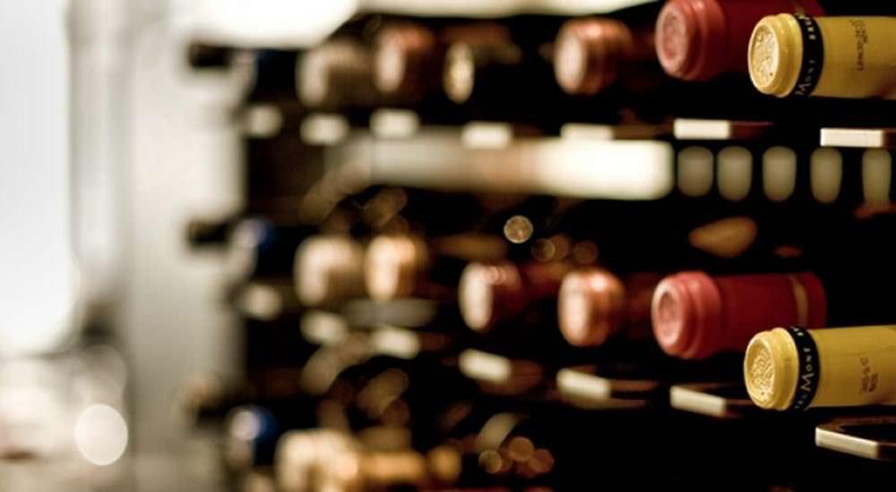 consejos buen bebedor vino posicion botella