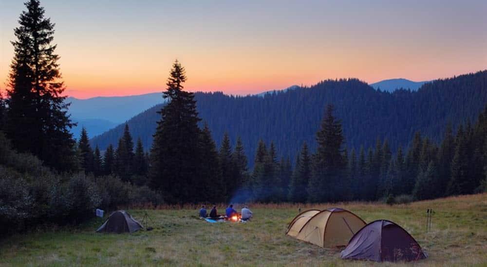 planes_baratos_divertidos_acampada