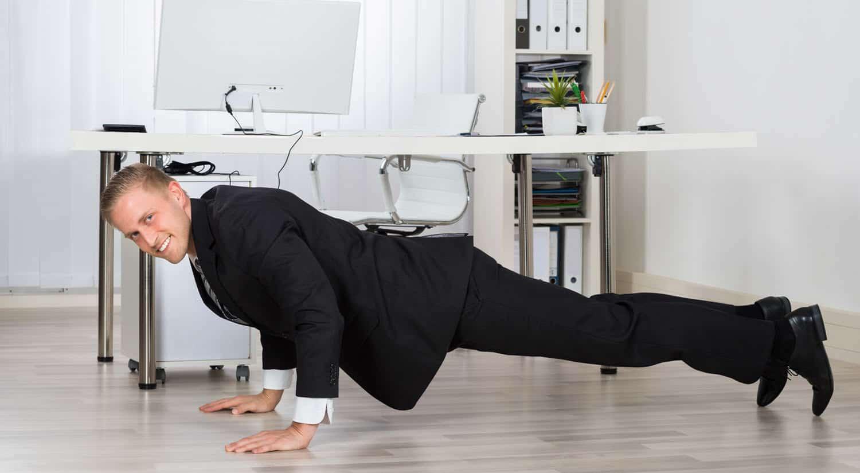consejos hacer ejercicio trabajo aprovecha tiempos muertos