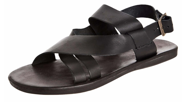 prendas hombre imprescindibles primavera verano sandalias