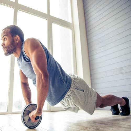Rutina de ejercicios en casa para hombres para marcar abdomen