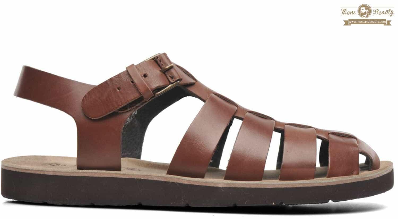 prendas imprescindibles hombre primavera verano sandalias