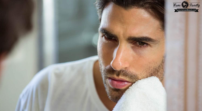 maquillaje para hombre aplicar maquillaje limpiar rostro