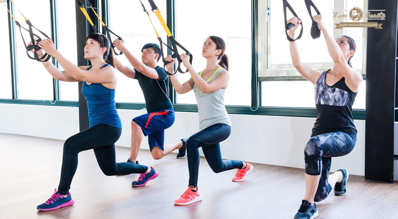 mejores clases ejercicio colectivas en grupo gimnasio trx total body resistance exercise